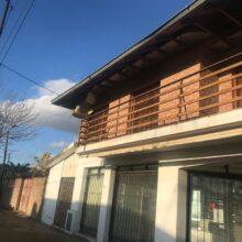 En Venta Casa con dos Locales Comerciales en Chivilcoy